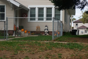 Halloween/Fall decorating at Kay Steinmeyer's house. Photo Credit/Denise Gilliland, Editor and Chief, Kat Country Hub.