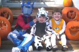 Daven, Ashlynn, and Alizabeth Whitley on Halloween five years ago. Photo Courtesy of Angela Whitley.