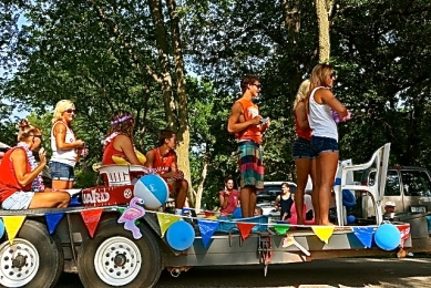 The fair parade brings out many entries. All photos credit/Denise Gilliland, Editor and Chief, Kat Country Hub.