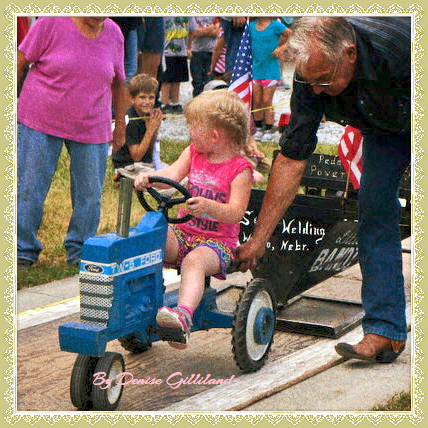 Little ones enjoyed riding a tractor pulling  a load behind them, seeing how far they could ride. All photos credit of Denise Gilliland, Editor and Chief, Kat Country Hub.
