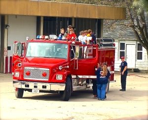 O-C students enjoyed Fire Prevention week, courtesy of Oakland Fire and Rescue. All photos/Denise Gilliland, Editor and Chief, Kat Country Hub.