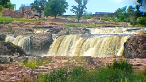 The beauty of Falls Park in Sioux Falls, SD. All photos credit of Denise Gilliland/Editor and Chief, Kat Country Hub.
