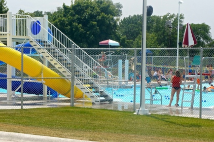 The new pool in Lyons was a huge success on the 4th of July! Many kids and adults enjoyed taking a swim in the new pool. All photos credit of Denise Gilliland/Editor and Chief, Kat Country Hub.