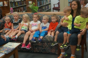 Hadley Peterson, Paisley Peterson, Ava Johnson, Ella Brands, Tye Penke, Rachel Gatewood and Tyler and Ryan Brands all attended the first story time of the year at the Oakland Public Library. Library Director Rosa Schmidt read three books to them, then they all enjoyed craft time. All photos credit of Denise Gilliland/Editor and Chief, Kat Country Hub.