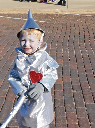 The Tin Man (Trey Sluyter) came to trick or treat on Oakland's Main Street last Thursday. His grandma, Patty Johnson made his costume. Trey's parents are Brooke Johnson and Tommy Sluyter. Photo Credit/Denise Gilliland, Editor and Chief, Kat Country Hub.