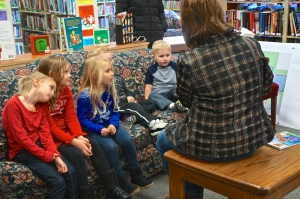 Several Christmas books were enjoyed during story time at the Oakland library. Photo Credit/Denise Gilliland, Editor and Chief, Kat Country Hub.